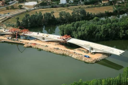 Puente de Zamora en construcción